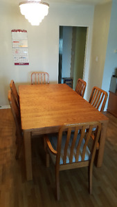 Solid oak wood dining table with 6 chairs