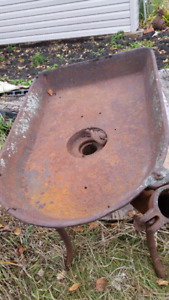 ANTIQUE CAST IRON BLACKSMITH FORGE AND BLOWER