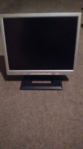 """18"""" benq computer monitor excellent condition"""
