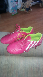 Adidas turf shoes size 6.5