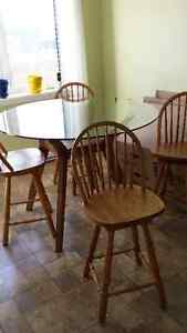 Kitchen/ Bar Table and Chairs