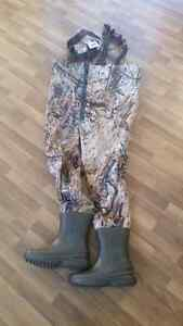 Breathable camo waterfowl hunting chest waders with zipper NIB