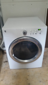 Secheuse a chargement frontal / Front load dryer