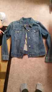 Women's large gap jean jacket