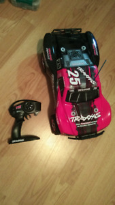 traxxas slash 2wd RC car