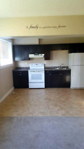 ★ Spacious 2BD ★ FREE Laundry ★ Quiet, Well-Managed Building ★