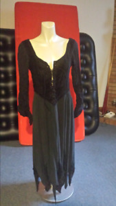 Gothic dress with lace -up bodice