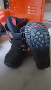 Burton youth size 12 snow boarding boots