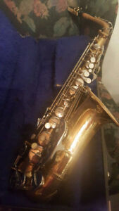 Alto Sax Boosey and Hawkes Includes Hard Case