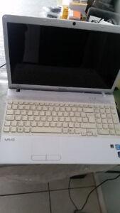 Core I5 Sony Vaio Laptop - Slightly Broken Bezel - Requires HD
