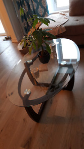 oval coffee table with mounted glass top