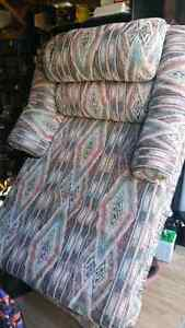 CHAIR /X-LARGE CHAISE LOUNGER NEW.. Windsor Region Ontario image 2