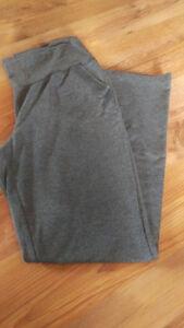 Comfy maternity pants