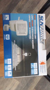 NEW Sunforce Solar Motion Activated Light