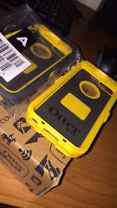 iPhone 5/5s Otter Box Protective Case! Black and Yellow