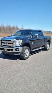 2011 FORD F250 LARIAT DIESEL *MUST SELL*
