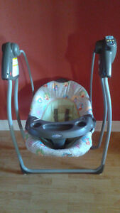graco winnie the pooh baby swing St. John's Newfoundland image 2