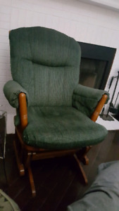 Gliding/Rocking Chair / Matching Ottoman