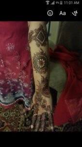 Professional Henna Artist Available