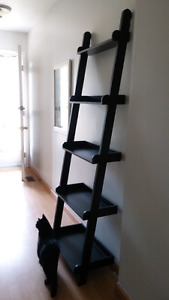 Ladder shelf - black