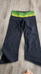 size medium yoga pants