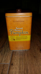 Williams-Sonoma Spiced Pecan Pumpkin Waffle Pancake Mix Tin