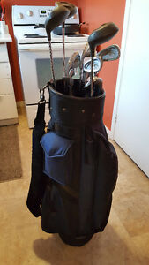 Spalding clubs golf set with bag and caddy