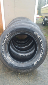 4 goodyear 275/65/18 for $100