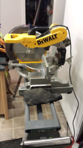 "DeWalt 176- 12"" (305mm) Double Bevel Compound Miter Saw w/stand"