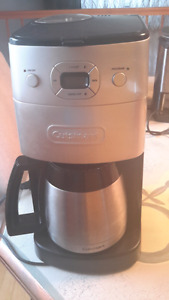 Grind and brew thermal automatic coffeemaker