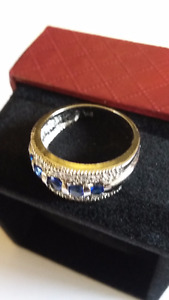 1.5ct Sapphire & 14kt Solid White Gold Ring Size 7