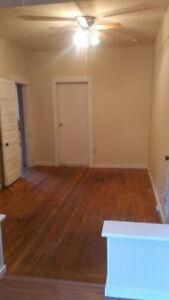 1 bed/1bath suite downtown Salmon Arm BC