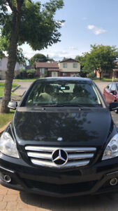 MERCEDES BENZ B200 2010 AUTOMATIC IN GOOD CONDITION