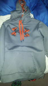 Men's large under armour sweater