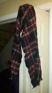 2 scarfs