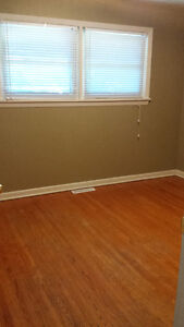 Room in Student House Kawartha Lakes Peterborough Area image 2