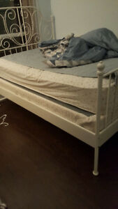 Double bed and frame: full set