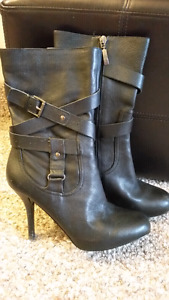 Boots. Size 8