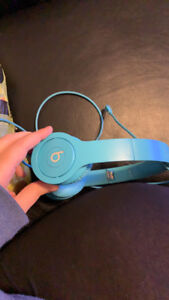 Beats by Dre Solo HD headphones. Wired. MINT condition.