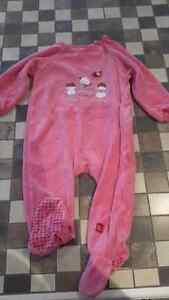 Pyjamas pour fille 18 mois West Island Greater Montréal image 2