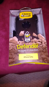 OtterBox for iPhone 5/5s brand new in box. 15$ obo
