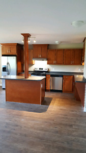 Renoed 3-Bed w Balcony All-Incl. Avail July or Aug-315 Glendale