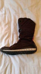 Puma winter boots.  Size 10