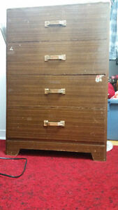 AC, Washer, Dryer, Dresser, Bed/Air climatise, laveuse, secheuse