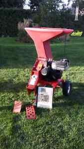 Troy - Bilt Junior Tomahawk wood chipper/shredder