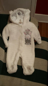 Brand new baby snow suit 0 to 3 mo