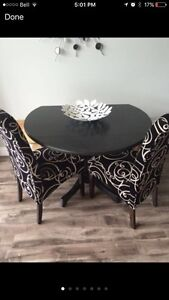 Beautiful drop leaf pedestal dining table with 2 modern chairs