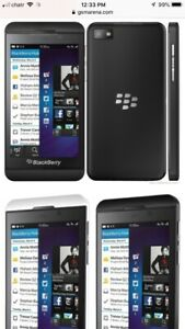 BLACKBERRY Z10 MINT CONDITION WITH CHARGER .