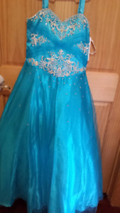 BEAUTIFUL DRESS * New with tags