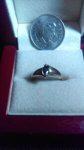 10K gold ring with dark blue sapphire size 7.5